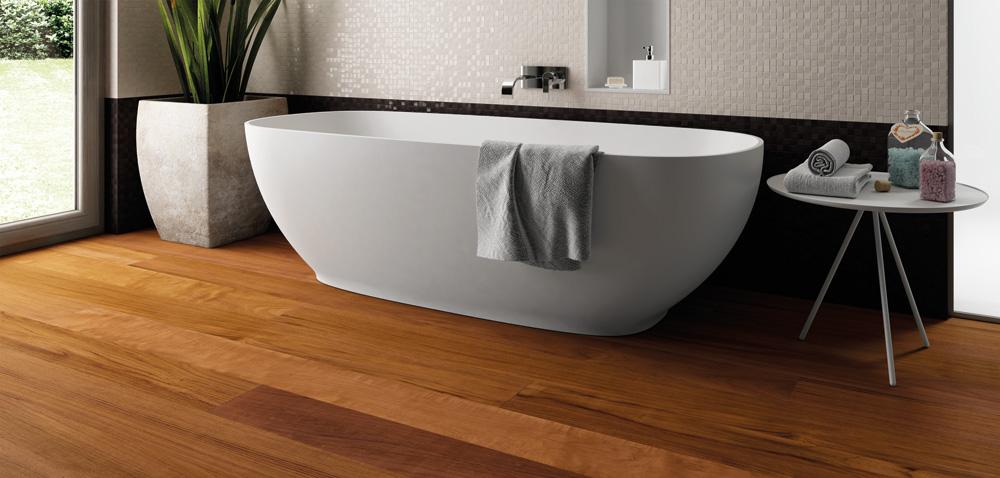 Posare il parquet in bagno si pu di giacomo pavimenti sas for Pavimento in legno interno